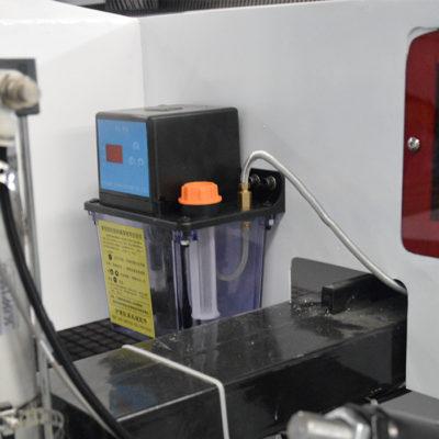 Auto lubrication system for cnc nesting machine