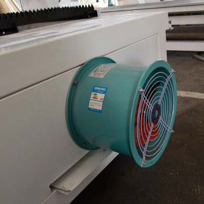 Smoke exhaust device for plasma cutting machine