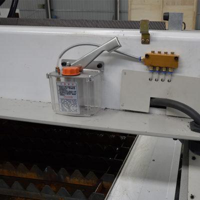 automatic lubrication system for plasma cutting machine