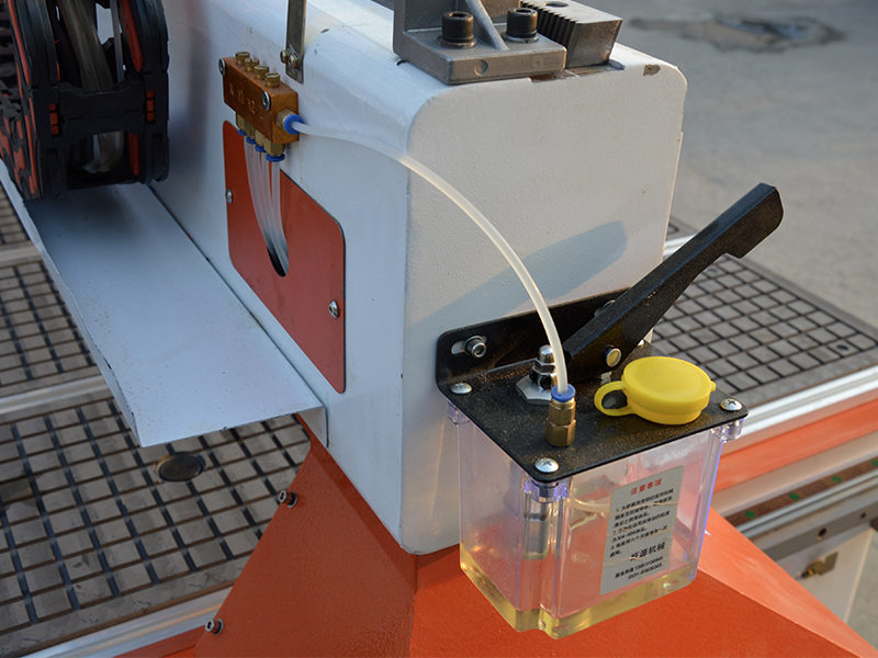 Automatic lubrication system for router cnc