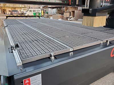 Vacuum+T-slot table of best cheap smart CNC wood router machine