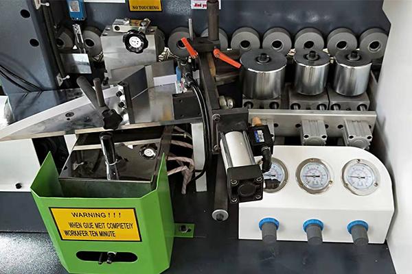 Auto Edge Banding Machine FS13 detail display